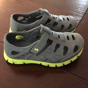 Stride rite water shoe